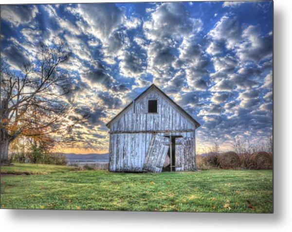 White Barn At Sunrise Metal Print