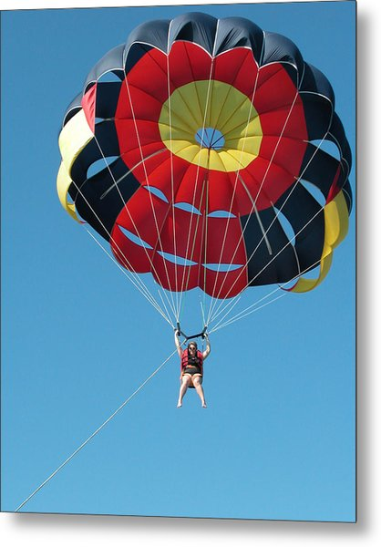 Woman Parasailing Metal Print by Rob Huntley