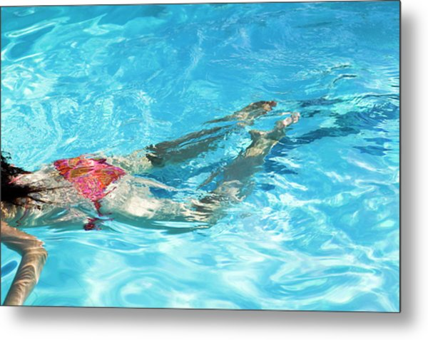 Woman Swimming Metal Print by Gustoimages/science Photo Library