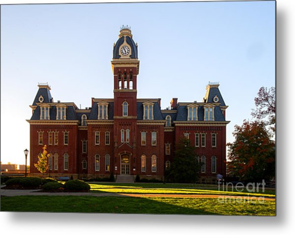 Woodburn Hall Late Afternoon Sun Metal Print