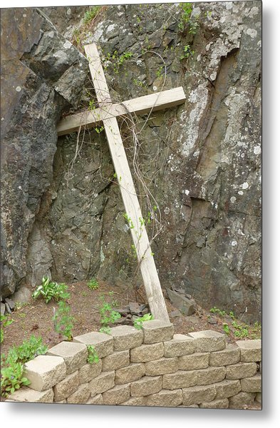 Wooden Cross In The Rocks Metal Print by Jennifer Cairns