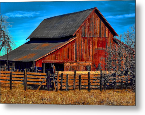 Working Barn Of Yuba County Metal Print