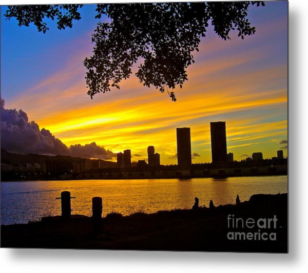 Yellow Skies Over Honolulu - No.2004 Metal Print