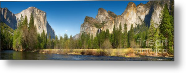 Yosemite Valley And Merced River Metal Print