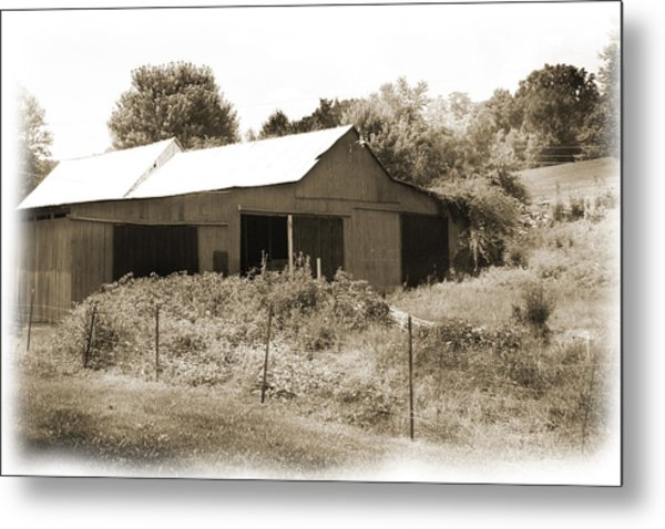 Mountain Barn Metal Print by Barry Jones
