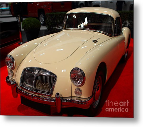 1962 Mg A 1600 Mark II Coupe . Vanilla White . 7d9325 Metal Print by Wingsdomain Art and Photography