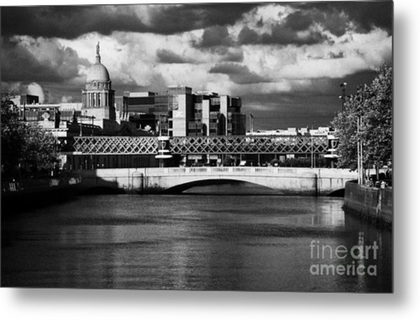 View Of The River Liffey In Dublin City Centre Republic Of Ireland Metal Print by Joe Fox