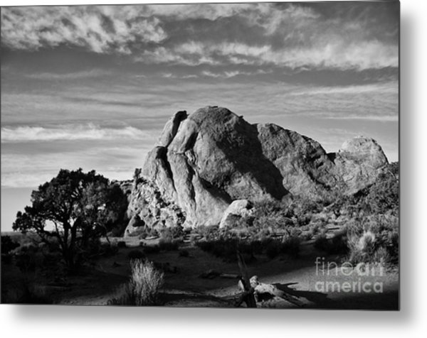 Arches Black And White Metal Print by Wilma  Birdwell