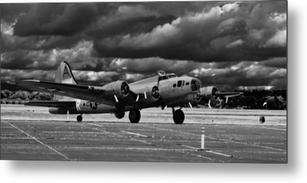 B-17 Flying Fortress Metal Print