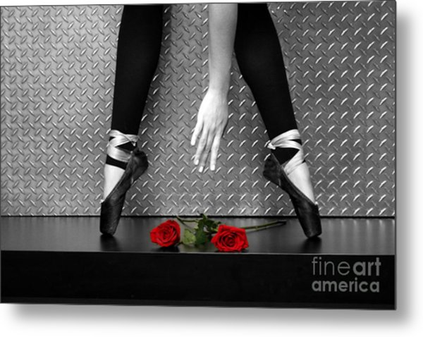 Bailarina En Rosas Metal Print