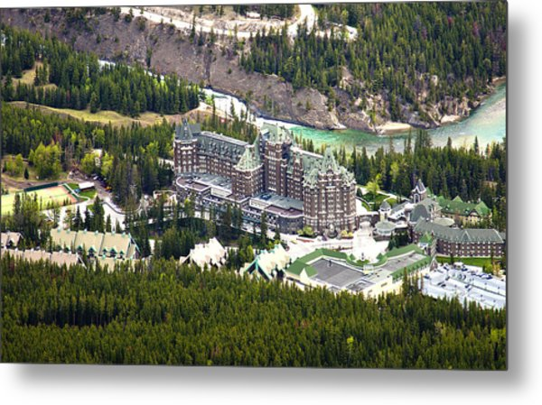 Banff Hotel 1575 Metal Print by Larry Roberson