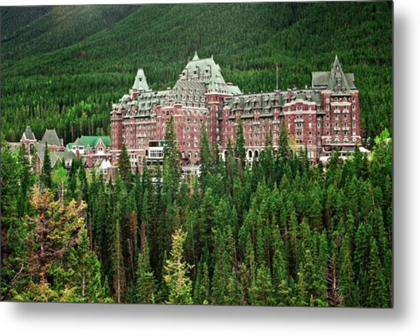 Banff Hotel 1607 Metal Print by Larry Roberson