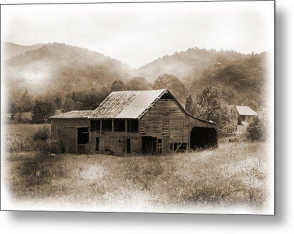 Barn In The Mist Metal Print by Barry Jones