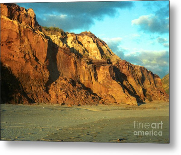 Beach Cliff At Sunset Metal Print