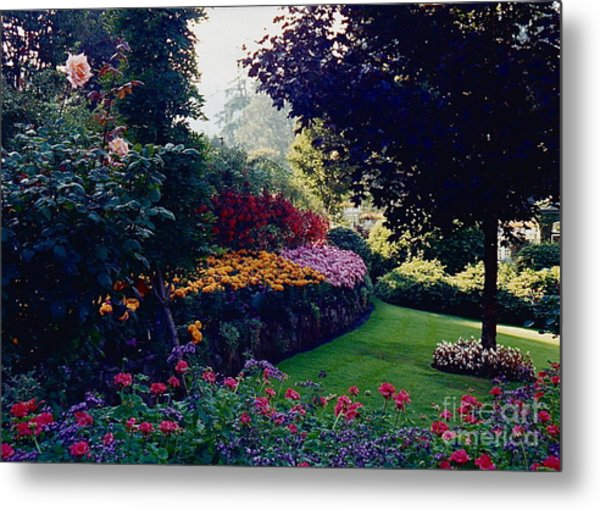 Butchart Gardens Shade And Sun Metal Print
