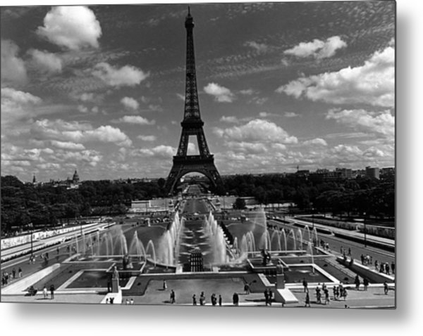 Bw France Paris Fontain Chaillot Tour Eiffel 1970s Metal Print by Issame Saidi