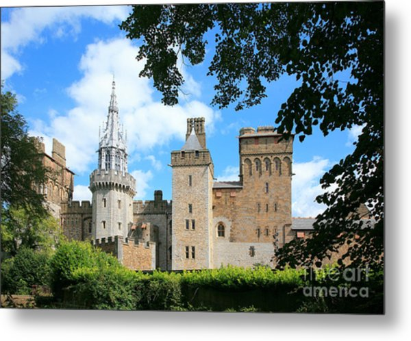 Cardiff Castle Metal Print by Susan Wall