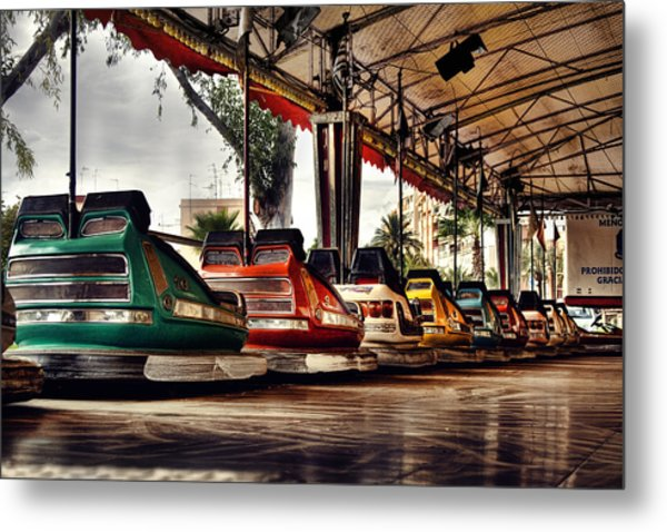 Crash Cars Metal Print by Gabriel Calahorra