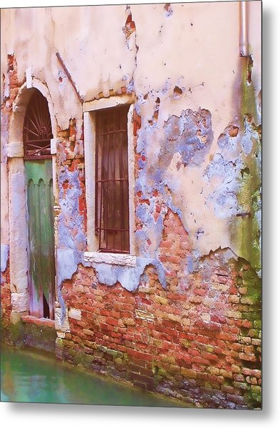 Crumbling Venetian Beauty Metal Print