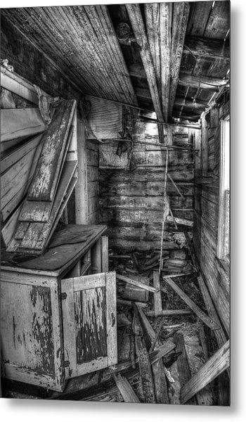Derelict House Bw Metal Print by Thomas Zimmerman