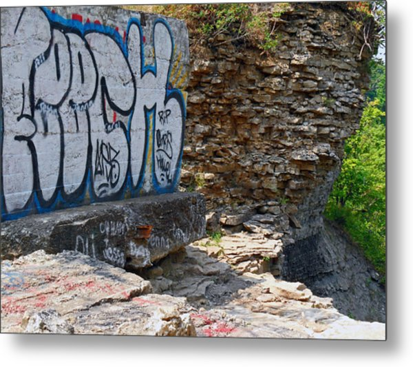 Devils Punch Bowl Grafitti 2 Metal Print