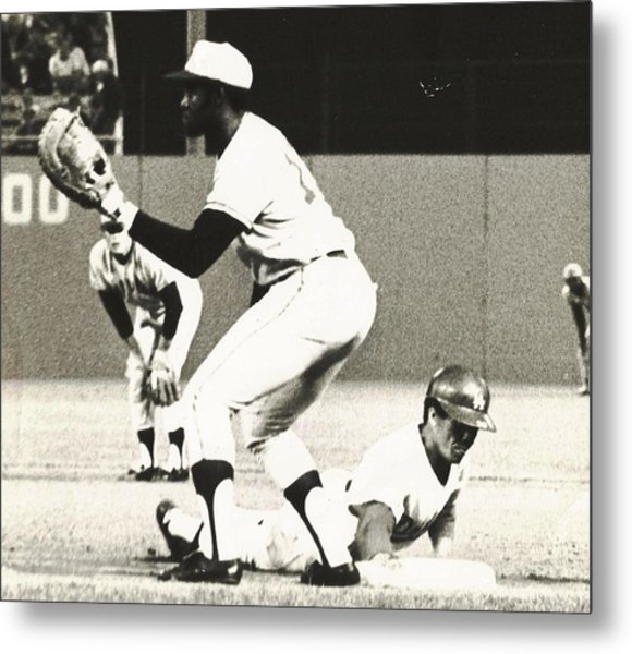 Dodger Maury Wills Diving Back To First Metal Print