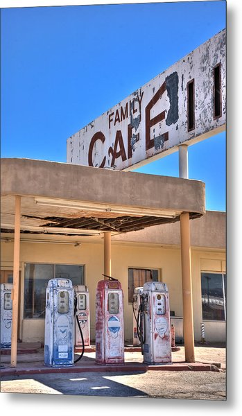 Hdr Family Cafe Metal Print