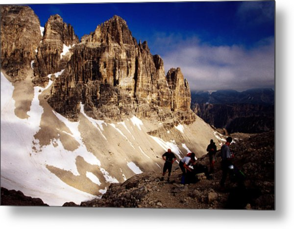 Hikers Resting At Bamberger Saddle, Gruppo Sella, Dolomites, Italy Metal Print by Witold Skrypczak