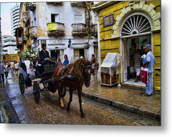 Horse And Buggy In Old Cartagena Colombia Metal Print