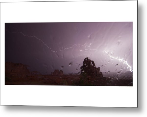 Illuminating Wetness Metal Print by Andreas Hohl