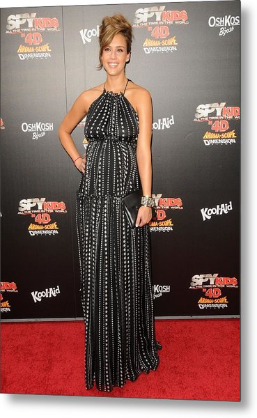 Jessica Alba Wearing A Dress By Dolce & Metal Print