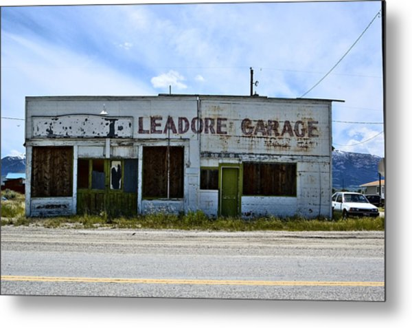 Leadore Garage Metal Print