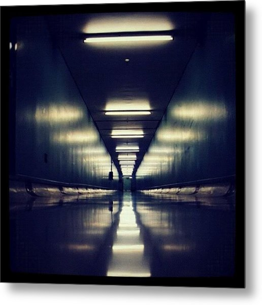 Link Tunnel Metal Print