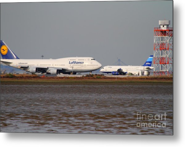 Lufthansa Airlines And Jetblue Airlines Jet Airplane At San Francisco International Airport Sfo Metal Print