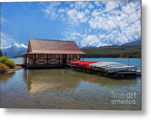 Maligne Lake Boat House Metal Print