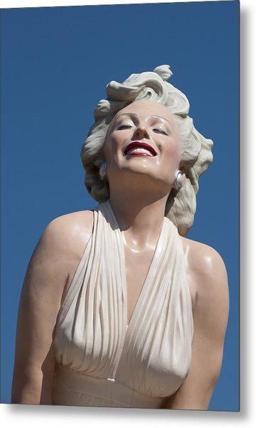 Marilyn In The Sun Metal Print