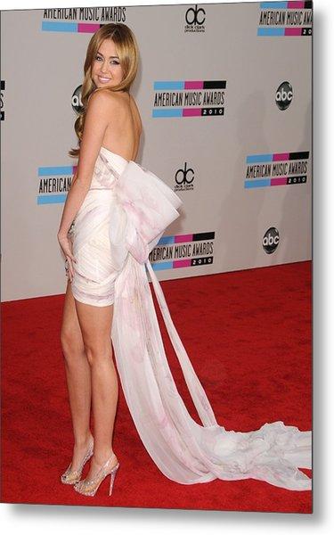 Miley Cyrus Wearing A Marchesa Dress Metal Print