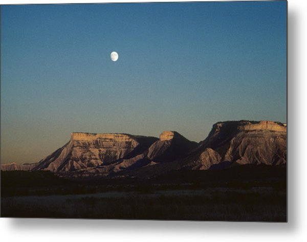 Moon Rise Over Mesa Verde Metal Print