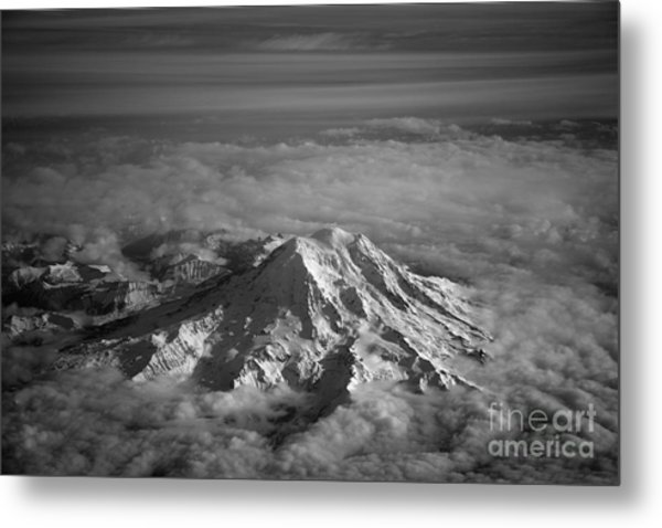 Mount Rainier Metal Print by Ei Katsumata