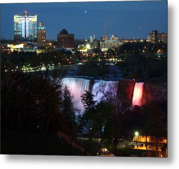Niagara Falls Ny At Night Metal Print by David Gilman