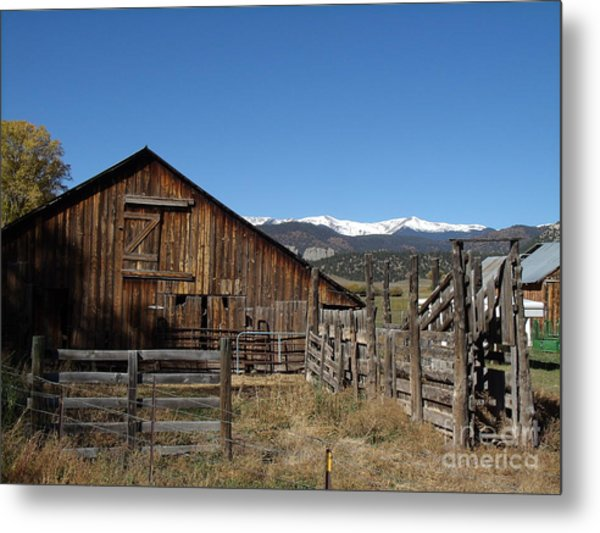 Old Colorado Barn Metal Print by Donna Parlow