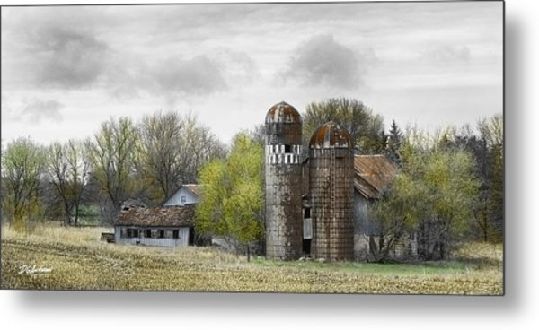 Old Minnesota Farmstead Metal Print by Don Anderson
