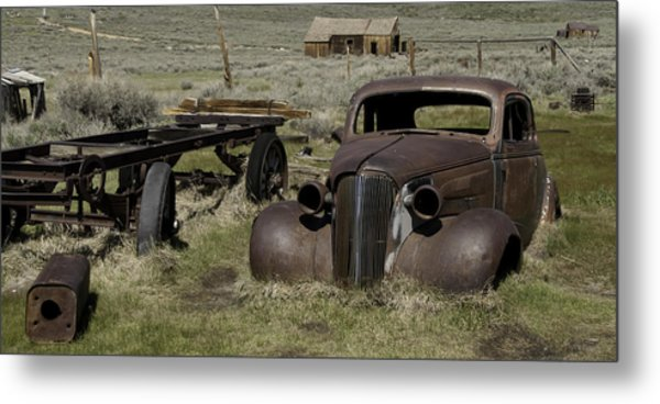 Old Rusted Car Metal Print by Richard Balison