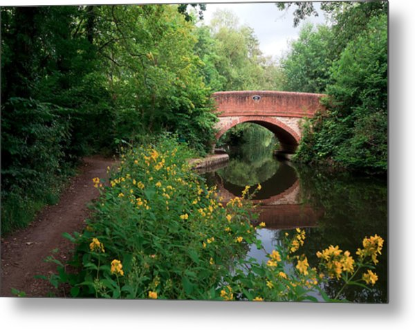 Over The Canal Metal Print by Shirley Mitchell