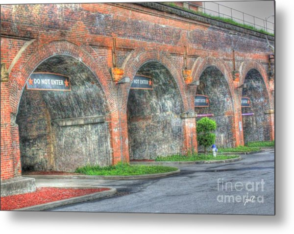 Parking Garage At Newport On The Levee Metal Print