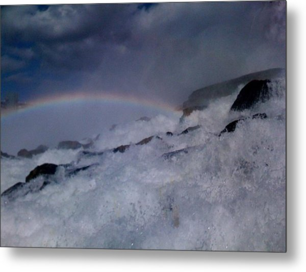 Rainbow Falls Metal Print by Matthew Slowik