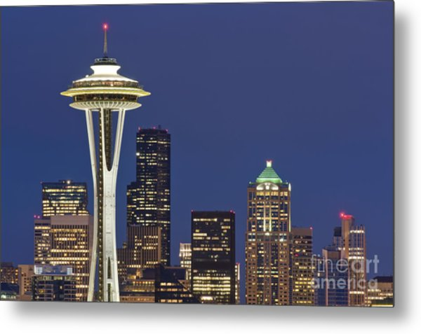 Space Needle And Downtown Seattle Skyline Metal Print by Rob Tilley