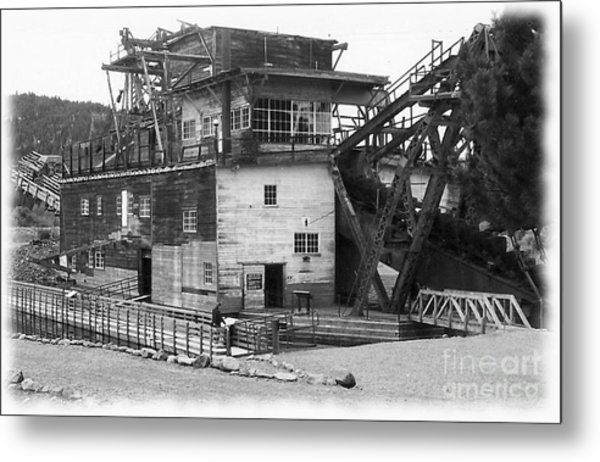 Sumpter Valley Gold Dredge Metal Print by Charles Robinson