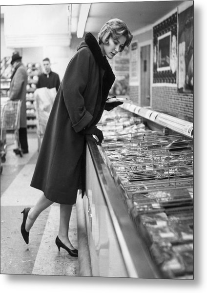 Supermarket Shopper Metal Print by Hill Photographers/Archive Photos