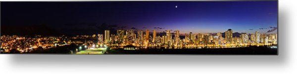 The Moon And Venus Over Honolulu Metal Print